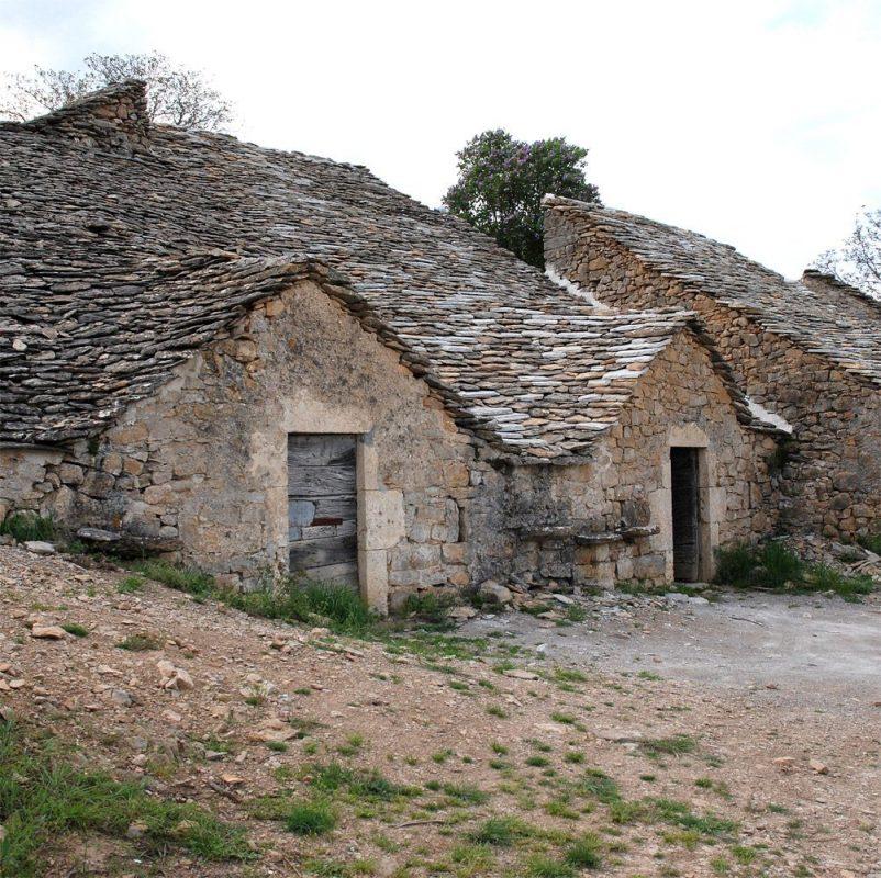 cave-a-vin-semi-troglodytes