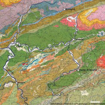 """Sous le terme générique de """"formation des Monts de Lacaune"""" se cache une géologie complexe où les roches sont entrecoupées de nombreuses failles. Cette formation caractéristique se prolonge jusqu'à la Montagne Noire pour former la pointe Sud-Est du Massif Central."""