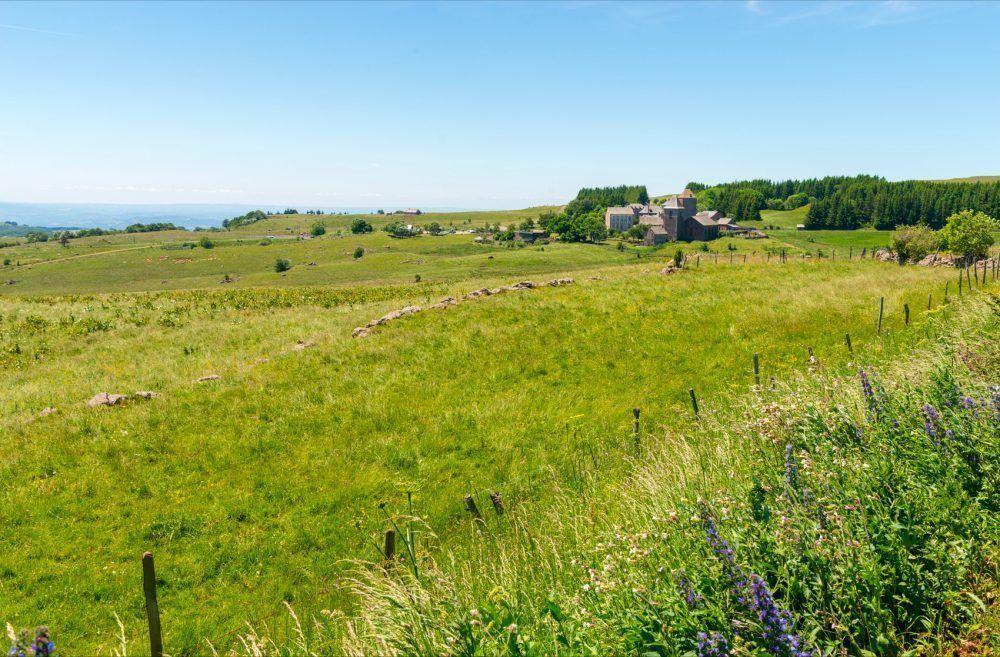 1-aubrac-village-OPP-NA-2018