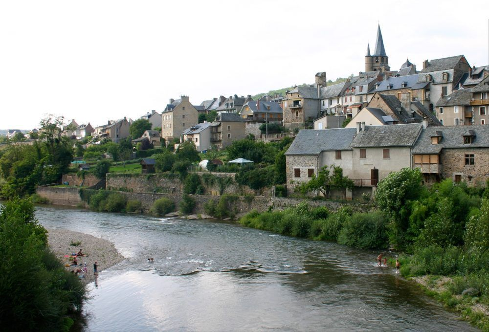 18-f9-saint-come-dolt-village-2006